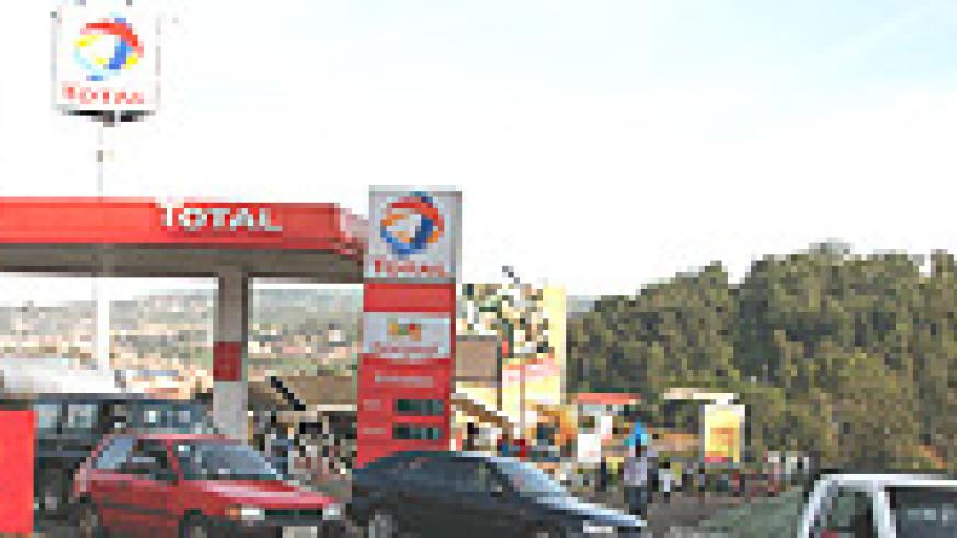 Fuel prices have fallen by Rwf168 in a period of one month on the local market. (File photo).