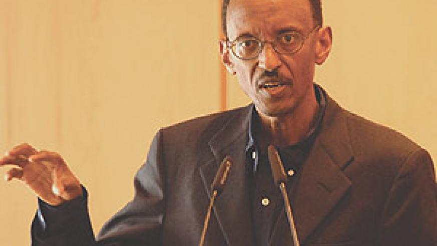 President Paul Kagame addressing the press yesterday. (PPU photo).