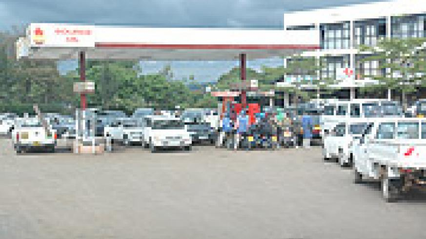 An overcrowded Petrol station near Hotel Novotel Yesterday. (Photo/ J. Mbanda )