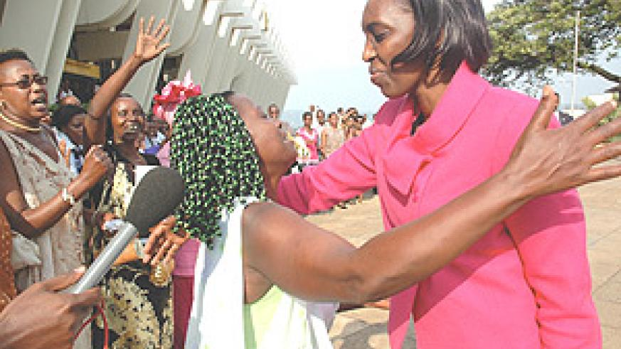 Rose Kabuye was greeted by hundreds of well-wishers on arrival at Kanombe Airport. (Photo/ J. Mbanda).