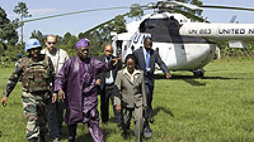 Obasanjo arrives for talks with Nkunda.