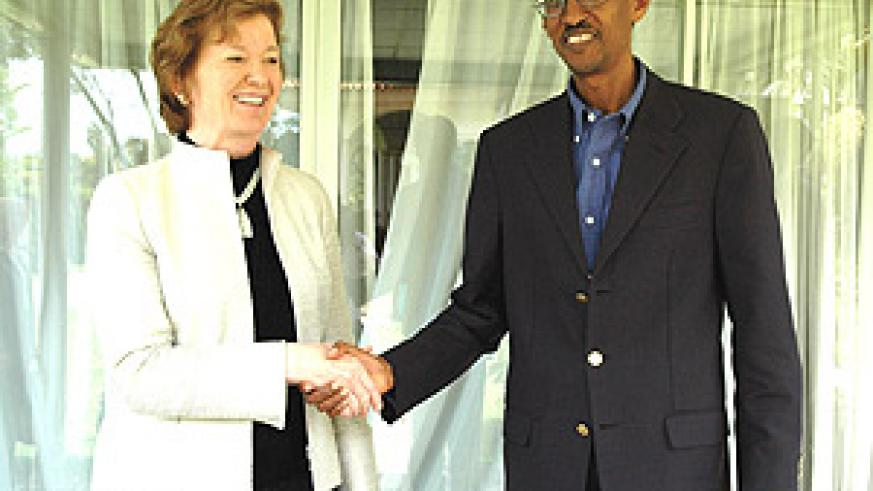 President Kagame shakes hands with Mary Robinson after their meeting at State House, Kiyovu yesterday. (PPU Photo),