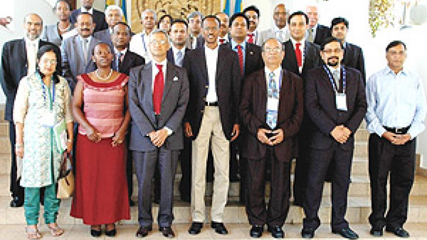 President Kagame with the visiting Indian delegation.