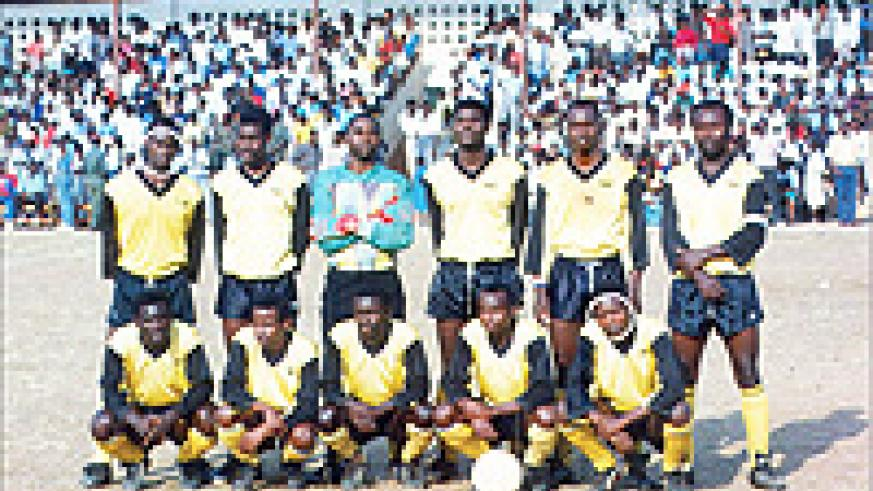 Martin Ntwali (squatting second from left) in Mukura's squad ahead of the league game at Nyamirambo stadium on October 7, 1992. Eugene Mugirwa (1st left,standing) and Justin Rudasigwa (squatting first from right) are some of the Mukura players who died du