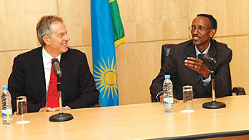 President Kagame and former British Premier, Tony Blair, at a joint press briefing after their meeting at Urugwiro Village yesterday. (PPU Photo)