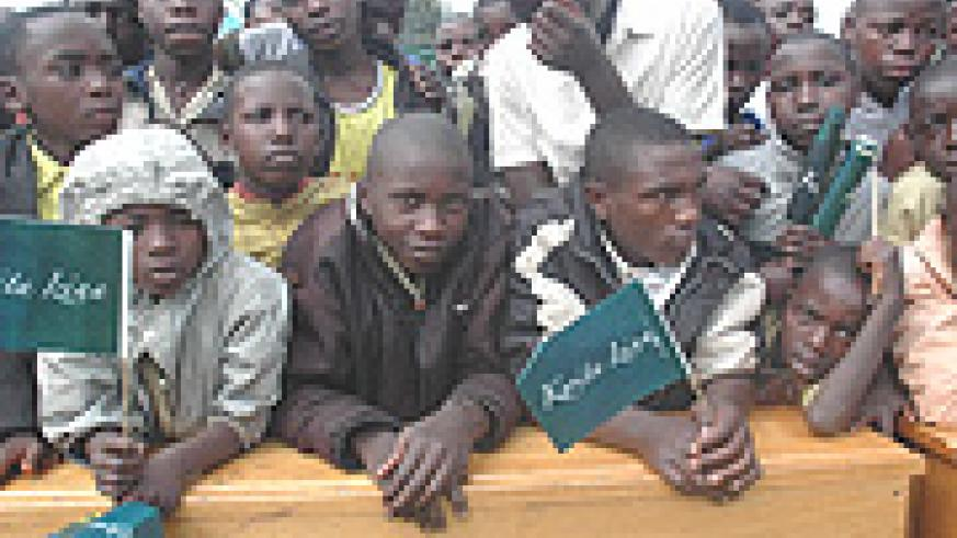 Youth residents of Kinigi at last year's Kwita Izina ceremony. (File Photo).