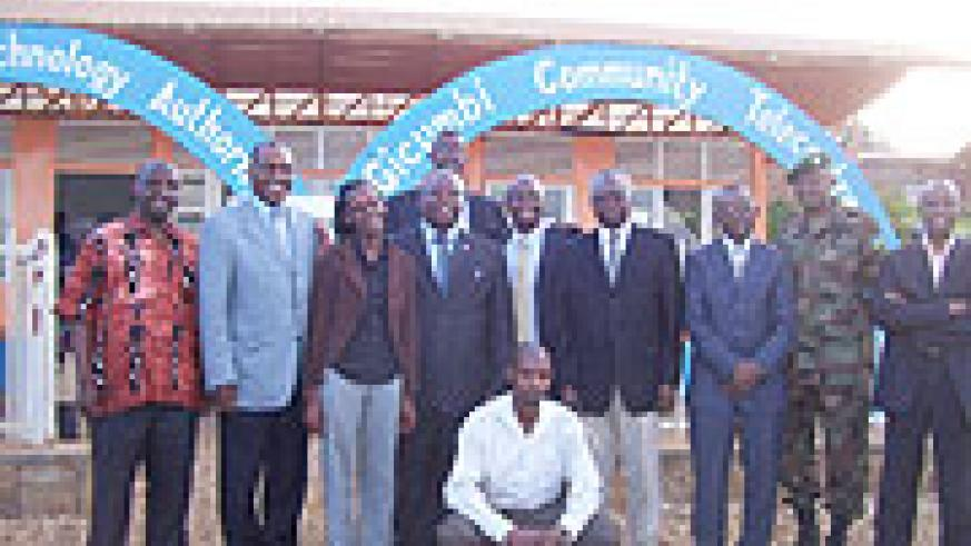 Dr.Hamadour Toure poses in a group photo with Gicumbi district leaders and telecentre officials on Wednesday. (Photo: A. Gahene)