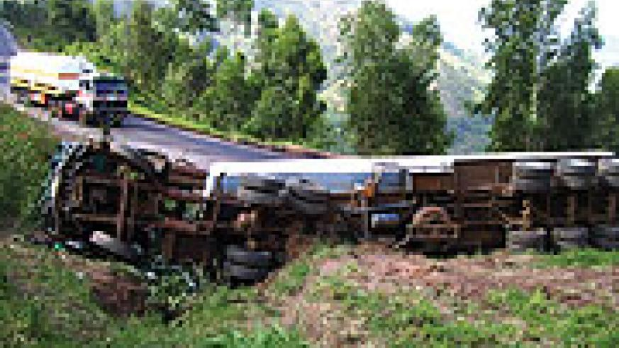 The truck that overturned on Monday. (Photo A.Gahene)