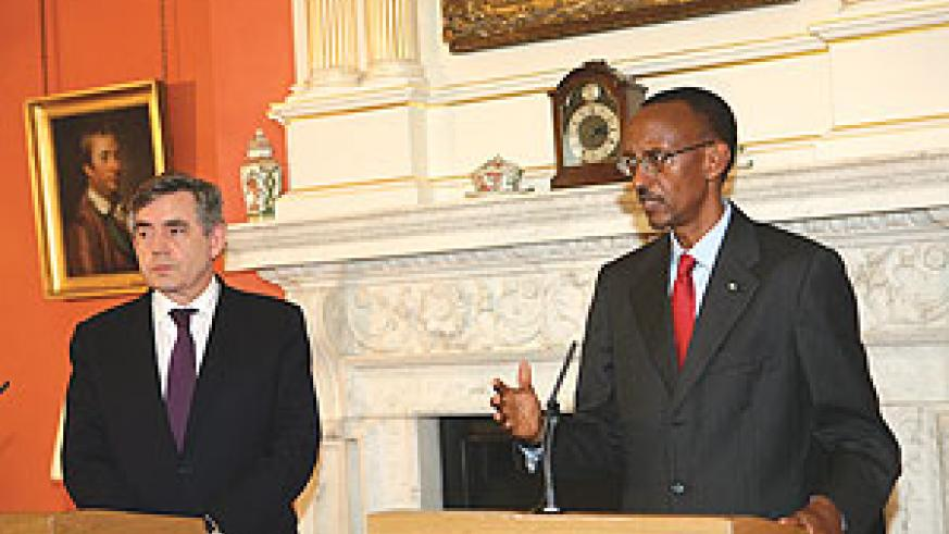 President Kagame and British Prime Minister, Gordon Brown address a joint press conference  soon after meeting in London.