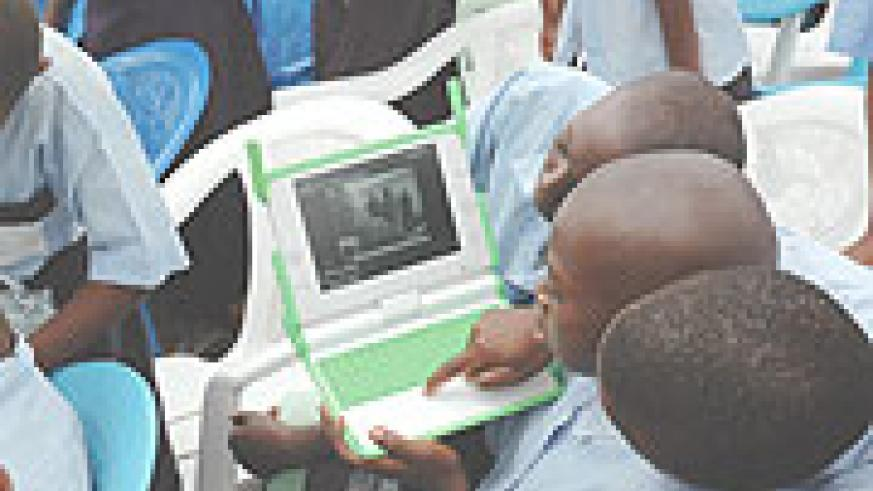 Primary school boys will be able to access Internet anywhere in the city. (File Photo)