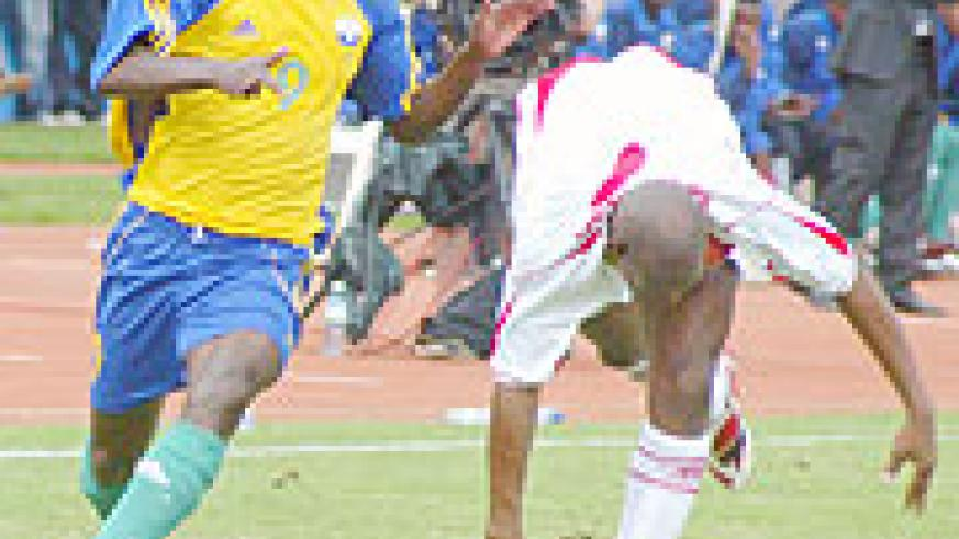 NO DEAL YET; Baby (l) is yet to sign with FC Nantes after delays in securing his ITC. (File photo)