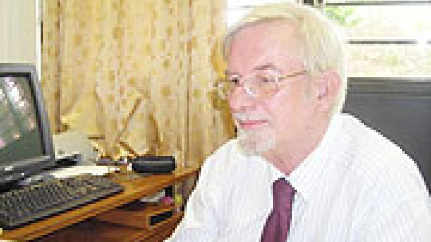 Prof Roger Sapsford (Photo PNtambara)