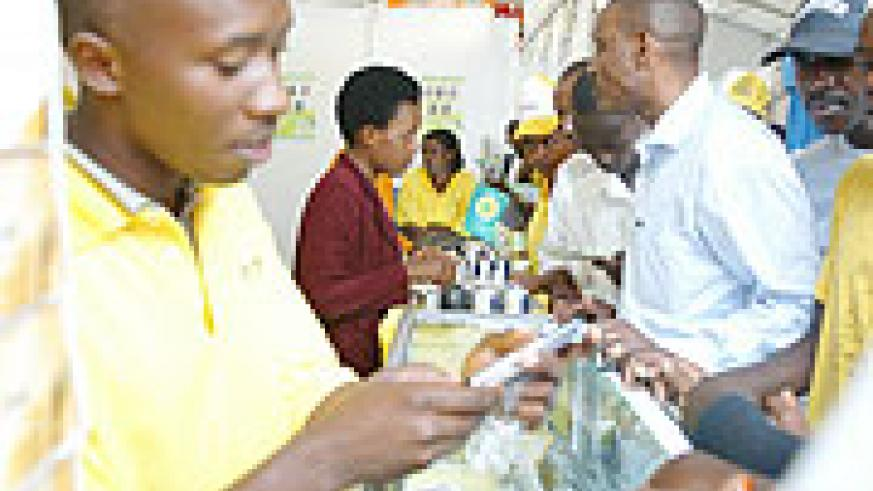 Customers inquiring about MTN products (File Photo)