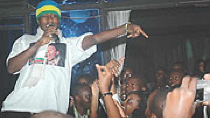 Alpha Rwirangira cheering his fans at a welcome concert that took place at B-Club over the weekend. (Photo/ F Goodman)