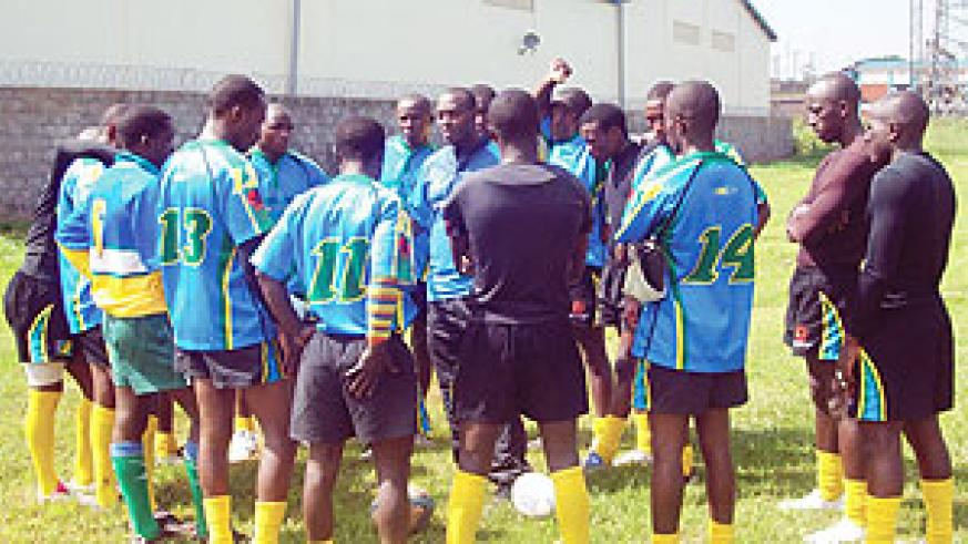 Silverbacks team brainstorms ahead of one of their games in last week's Mak10s tournament in Kampala. (Photo / E. Kabera)
