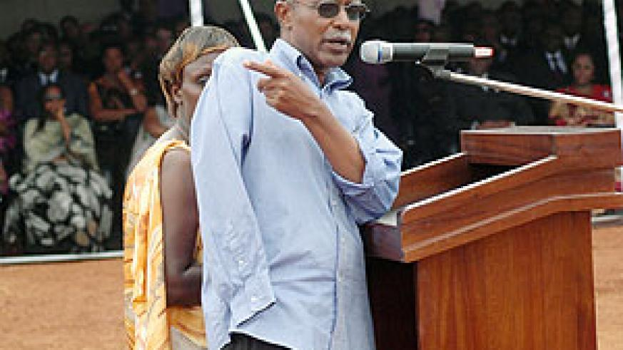 Venuste Karasira who lost an arm during 1994 Genocide againt the Tutsi gives his testimony.