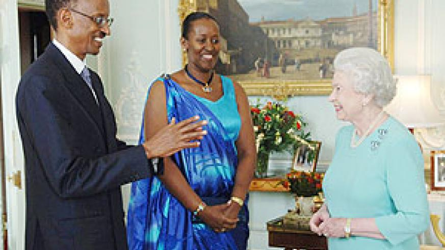 President Paul Kagame and the First Lady Jeannette Kagame meeting Queen Elizabeth II at a past event in London.