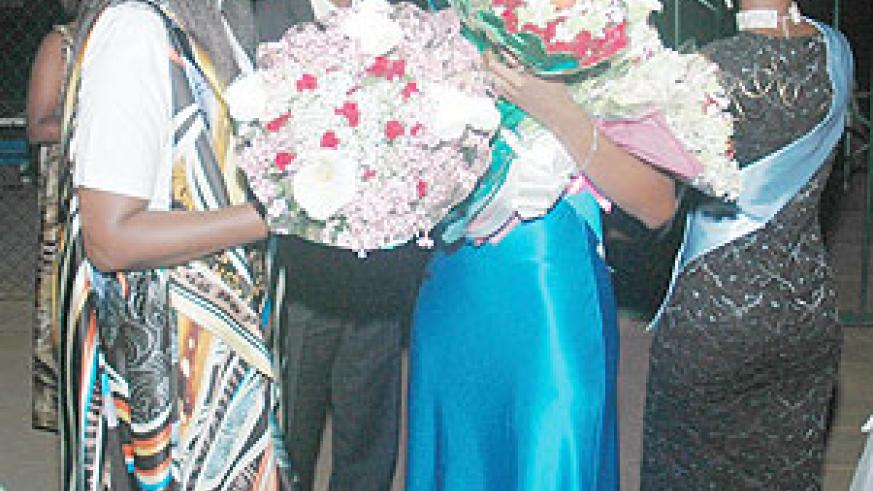 City Mayor Aisa Kirabo Kacyira welcomes newly crowned Miss East Africa Cynthia Akazuba at a welcome gala organised for her by KCC yesterday (Photo F Goodman)