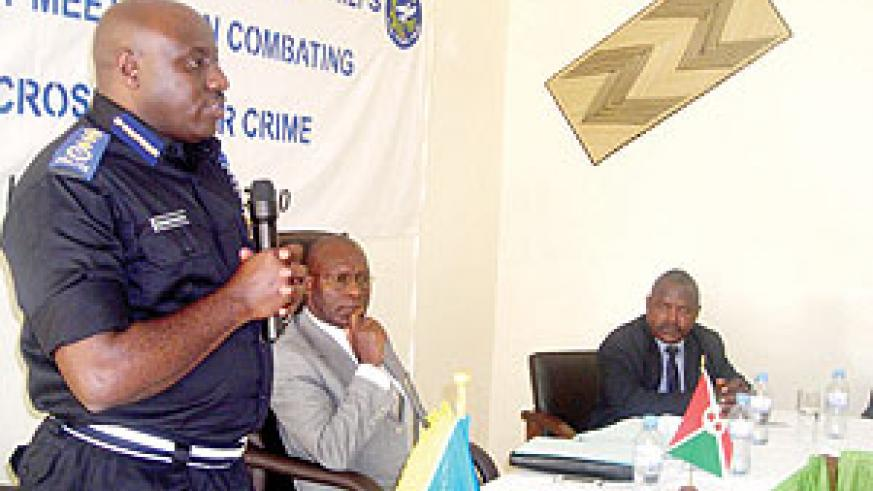 Commissioner General of Police, Emmanuel Gasana, speaking after the signing of a joint communique between Rwanda and Burundi to combat cross-border crime. (Photo/ P. Ntambara)