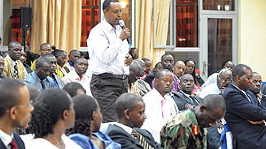 At meeting  with opinion leaders in Huye President Kagame stressed the need to urgently deliver on agreed plans