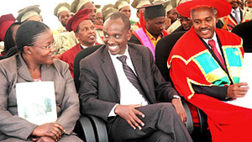 From left to right, Ministers Jeanne d'Arc Mujawamaria, Richard Sezibera and Charles Murigande at the graduation ceremony yesterday (photo J. Mbanda)