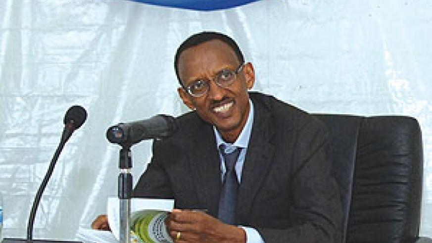 President Kagame addressing leaders during the annual  retreat. (Photo Urugwiro Village)