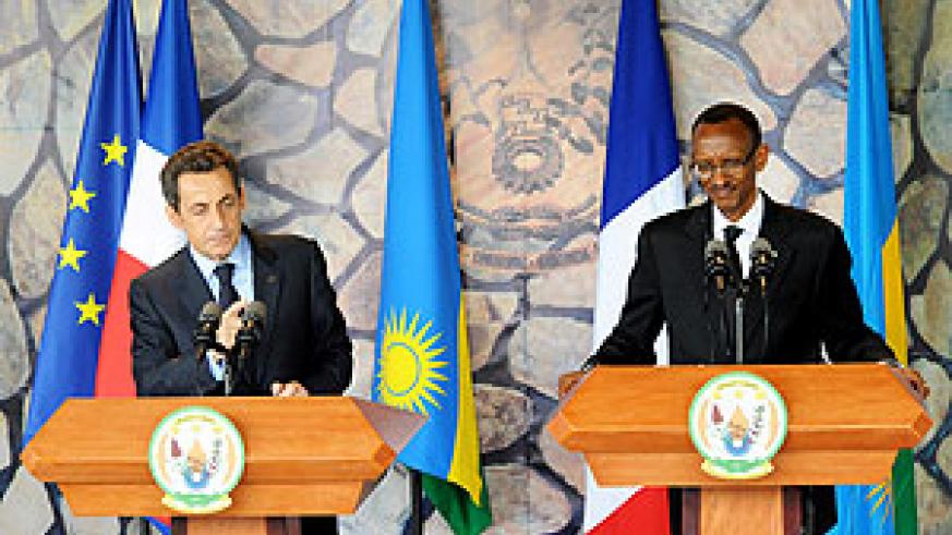 French President Nicolas Sarkozy and President Kagame address a joint press conference yesterday in Kigali. (Photo Urugwiro Village)