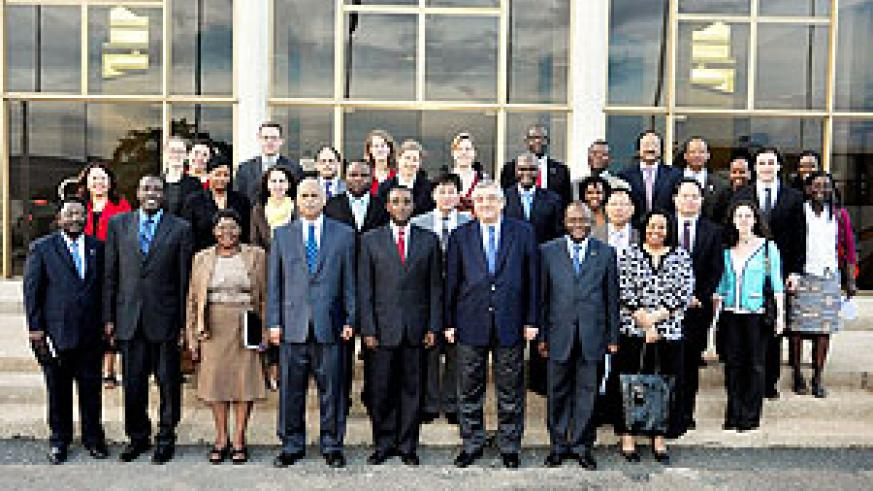 Members of the UN delegation pose for a group photo with senior officials of Rwandan Parliament. (Photo Bill McCarthy)