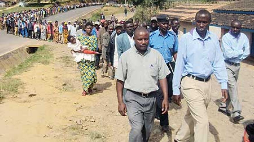 Scores of residents attended the 'walk to remember' in honor of victims of the 1994 Genocide against the Tutsi. (Photo: S. Nkurunziza)