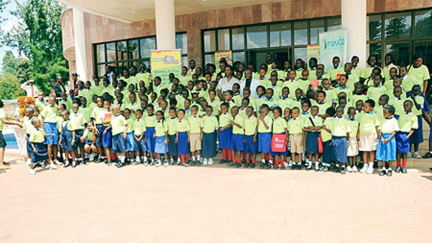 The children who marked the International Reading Day with the First lady, Jeannette Kagame
