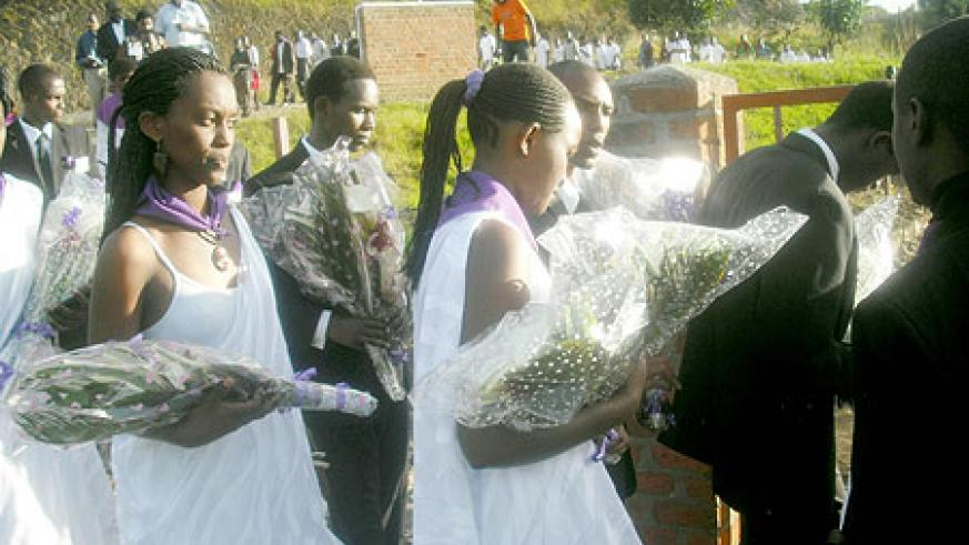 Scores of students attended the walk in memory of the Victims of the 1994 Genocide against Tutsi. (photo / S. Nkurunziza)