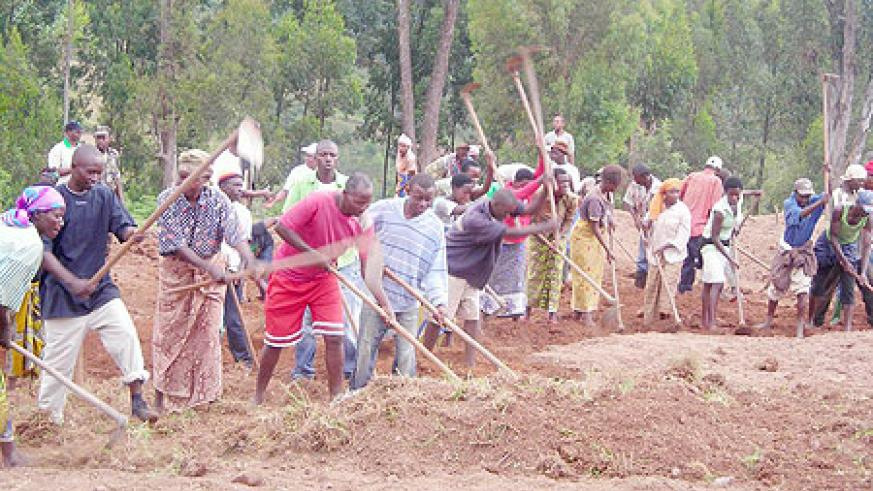 Residents of Mpare prepare the plot on which a school under 9YBE will be constructed. (Photo: P. Ntambara)