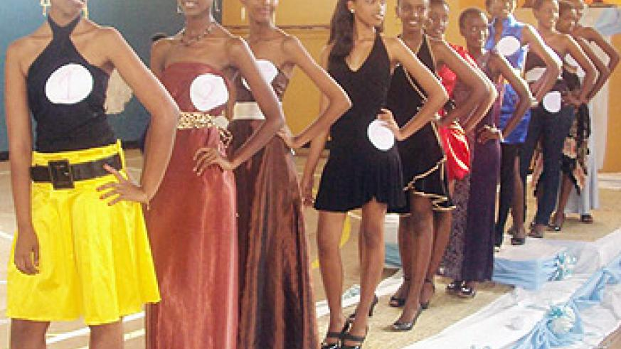 The 11 finalists pose in casual outfits during the beauty pageant.