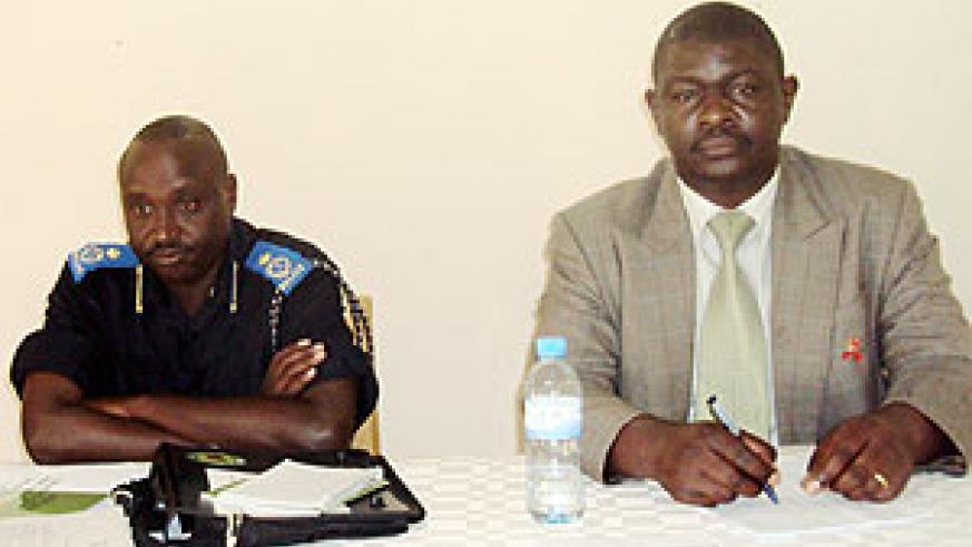 Didacus B. Kaguta (R) ACP Vianney Nhimiyimana (L) in the meeting. Photo by S. Rwembeho.