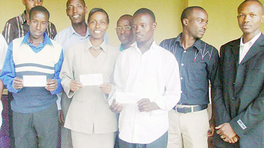 The beneficiaries together with members of the medical students mental health association. (Photo: J.P Bucyensenge)