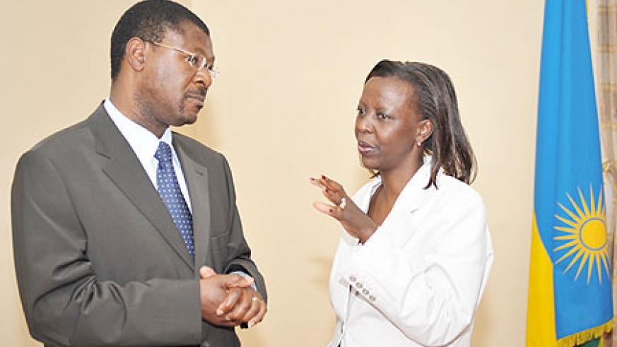 Kenya's Foreign Affairs Minister, Moses Wetangula with his Rwandan counterpart, Louise Mushikiwabo, after the meeting yesterday (Photo Urugwiro Village)