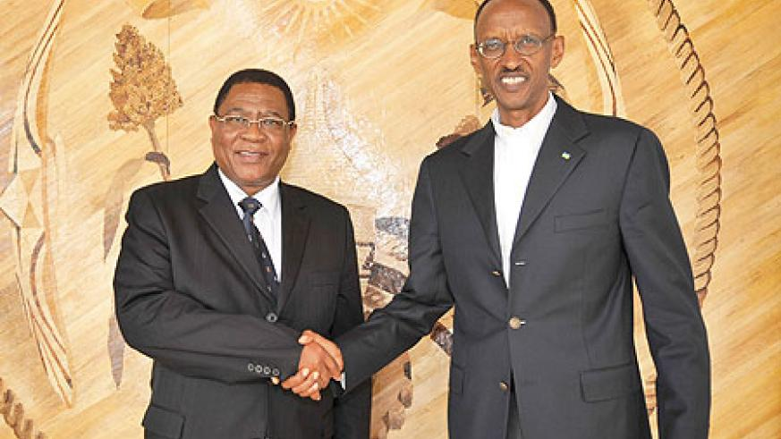 President Kagame with the Secretary General of the Common Market for Eastern and Southern Africa (COMESA), Sindiso Ngwenya yesterday (Photo Urugwiro Village)