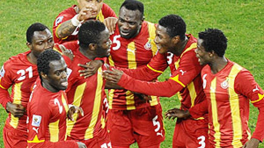 Ghana players celebrate Sullei Muntari's goal against Uruguay. (Net photo)