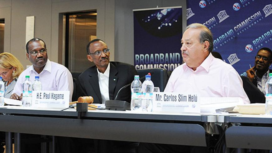 President Kagame, Dr. Hamadoun Toure, (L) and Mr. Carlos Slim (R) at the meeting yesterday (Courtesy Photo)