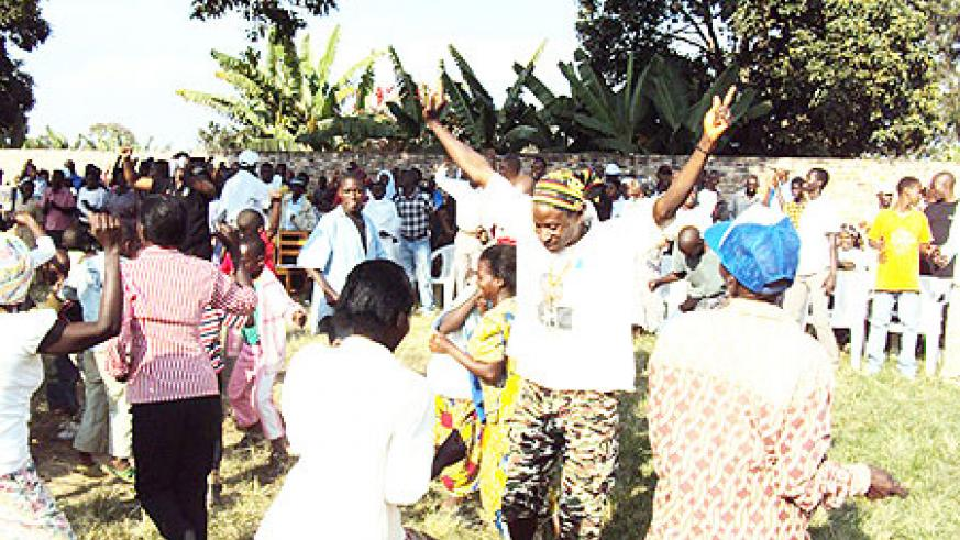 Members of RPF in Muhanga celebrate the party's achievements. (Photo D.Sabiiti)