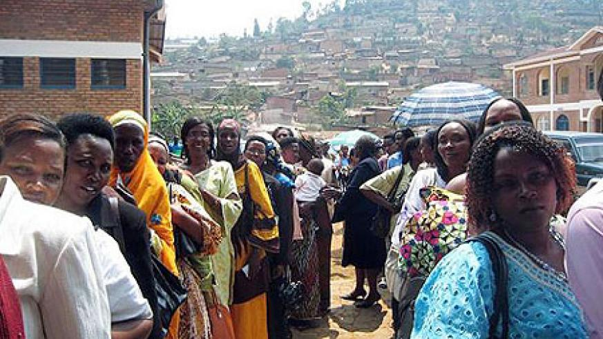 Queuing to vote.The presidential campaign period began yesterday.