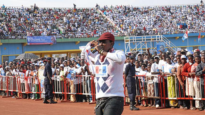 Local artist, Kitoko spices up the RPF presidential campaigns.