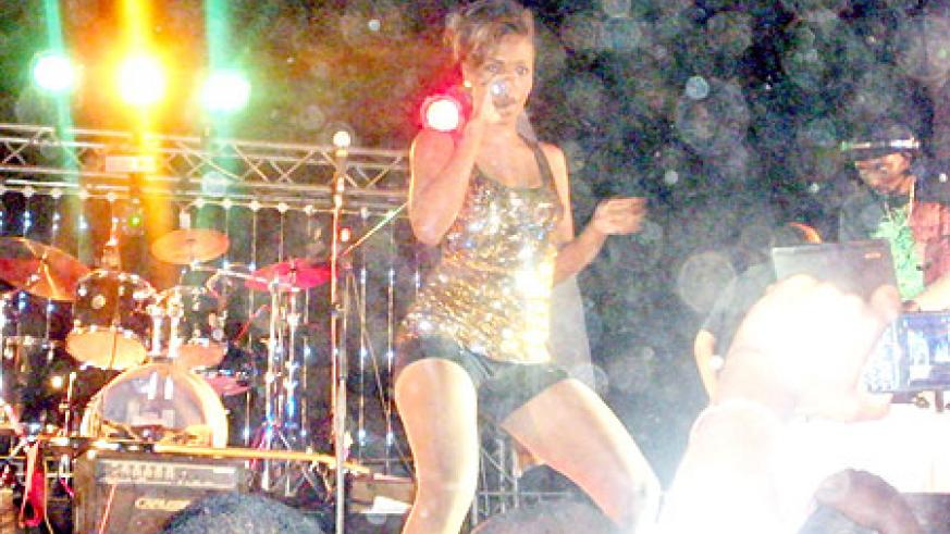 Cindy hypnotised the crowds with 'Ayokyayokya' one favourite song.