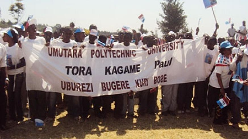 Umutara Polytechnic University students campaigning for RPF's candidate on Thursday (Photo/ D. Ngabonziza)