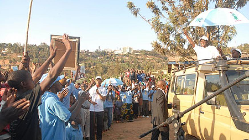 Alvera Mukabaramba campaigning in Kimisagara, Nyarugenge District yesterday (Photo/ F. Goodman)
