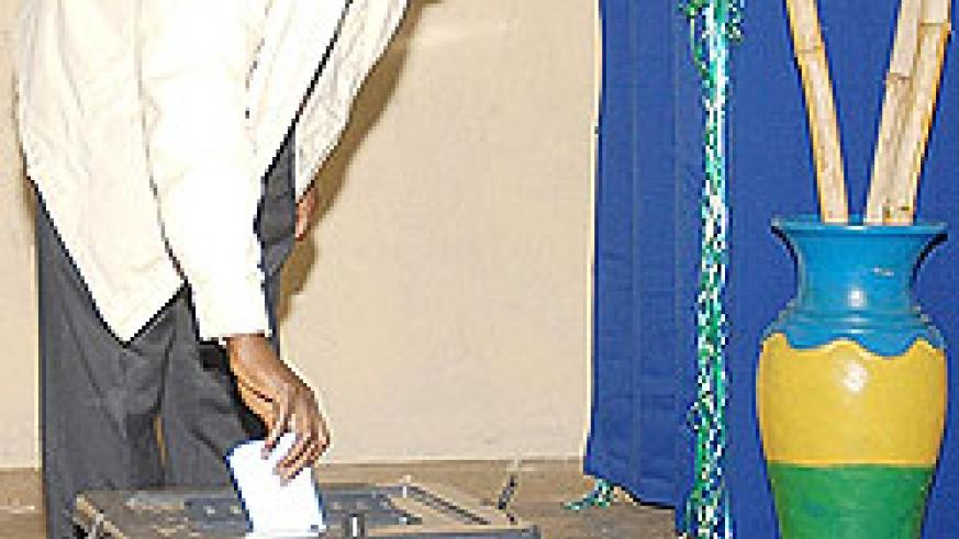 PSD candidate Dr Jean Damascene Ntawukuriryayo  casting his vote at ADEPR Kimihurura ( Photo  F. Goodman )