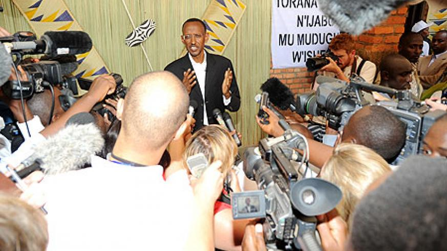 Paul Kagame addressing the press shortly after casting his ballot at APE Rugunga in Nyarugenge earlier today (Photo J Mbanda)