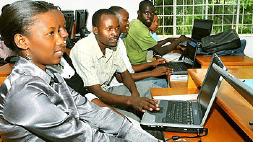 Students at the SFB computer lab
