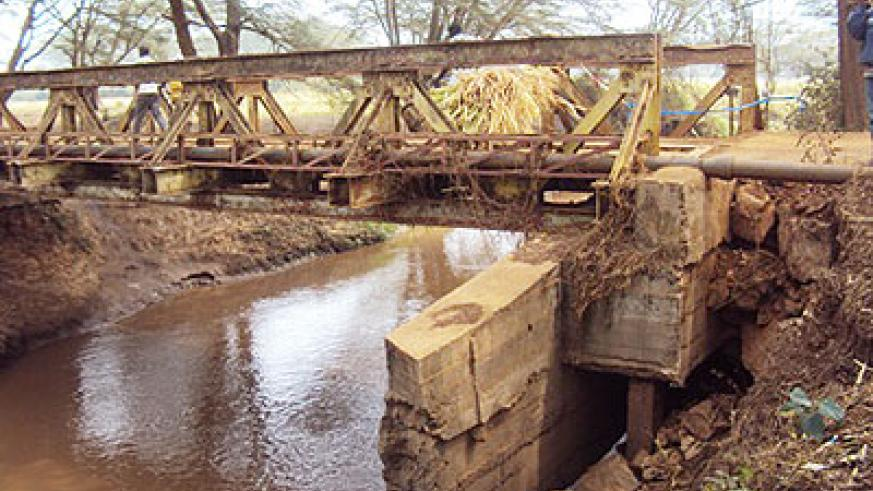 The bridge that connects Nyagatare town with Tabagwe and Rwempasha sectors is on the verge of collapse.(Photo. D. Ngabonziza)