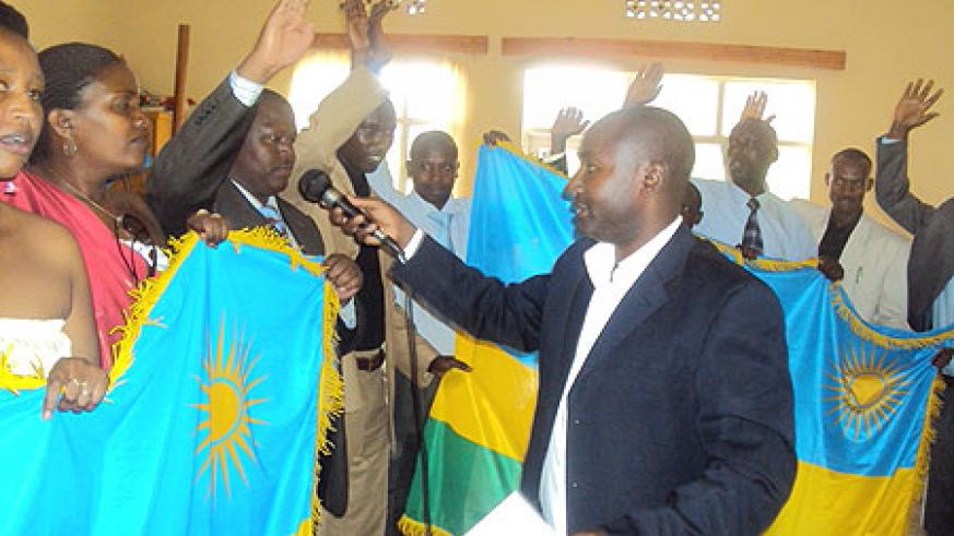 Gasabo district employees taking the oath recently (Photo / F. Goodman)